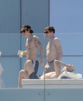 Harry Styles - Barcellona - 22-05-2013 - Harry Styles e Zayn Malik scherzano in stile spogliarellista