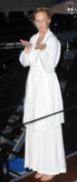Uma Thurman - Cannes - 23-05-2013 - En pendant con l'inverno con un cappotto bianco