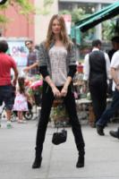 "Behati Prinsloo - New York - 22-05-2013 - L'autunno ""caldo"" di Behati Prinsloo e Sheila Marquez"