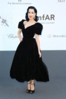 Dita Von Teese - Cannes - 23-05-2013 - Vita stretta e gonna ampia: bentornati anni '50!