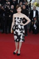 Kristin Scott Thomas - Cannes - 24-05-2013 - Festival di Cannes: il red carpet è una scacchiera