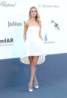 Rosie Huntington-Whiteley - Cannes - 23-05-2013 - Festival di Cannes: il red carpet è una scacchiera