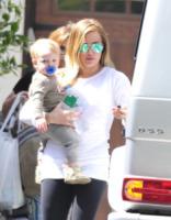 Hilary Duff - Toluca Lake - 26-03-2013 - Gli occhiali sono lo specchio dell'anima delle star