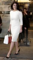 Gemma Arterton - Londra - 28-05-2013 - Non solo LBD: oggi il tubino è anche bianco!