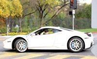 Justin Bieber - Calabasas - 03-12-2012 - Bieber al volante, pericolo e sputo costante