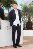 Robert Pattinson - Cannes - 25-05-2012 - Robert Pattinson, nuovo regista per Mission Blacklist