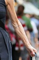 Meg Ryan - New York - 07-09-2012 - Vuoi sapere la vera età delle star? Guarda le loro mani