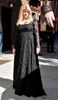 Kirstie Alley - New York - 16-03-2010 - Vuoi sapere la vera età delle star? Guarda le loro mani