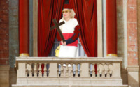Rita Ora - Città del Vaticano - 12-03-2013 - Habemus Papam: Rita Ora urbi et orbi