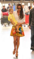 Harper Seven Beckham, Victoria Beckham - Los Angeles - 01-06-2013 - Leila Bekhti o Victoria Beckham: chi lo indossa meglio?