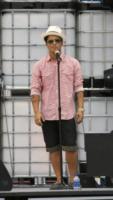 Bruno Mars - Los Angeles - 14-11-2011 - La mamma di Bruno Mars morta per un aneurisma