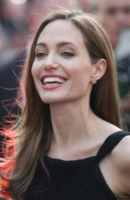 Angelina Jolie - Londra - 02-06-2013 - Angelina Jolie torna sul red carpet dopo la doppia mastectomia