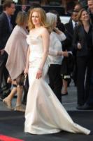Mirelle Enos - Londra - 02-06-2013 - Vade retro abito!: Angelina Jolie in Yves Saint Laurent