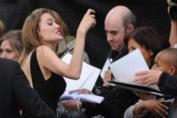 Angelina Jolie - Londra - 02-06-2013 - Riflettori su Angelina Jolie e Brad Pitt, più uniti che mai