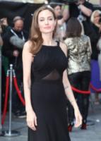 Angelina Jolie - Londra - 03-06-2013 - Riflettori su Angelina Jolie e Brad Pitt, più uniti che mai