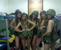 Soldatessa - 03-06-2013 - Havat: la base di Miss Haifa dove comandano le donne (vestite)