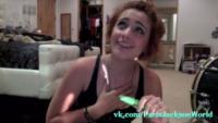 Paris Jackson - Los Angeles - 04-06-2013 - Paris Jackson: un pagliaccio su You Tube