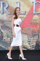 Angelina Jolie - Berlino - 04-06-2013 - Buon compleanno Angelina Jolie: la diva festeggia a Berlino