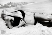 Pamela Anderson - Brasile - 05-06-2013 - Pamela Anderson di nuovo bagnina solo grazie a Photoshop