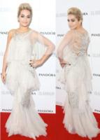 Rita Ora - Vade retro abito!: Rita Ora in Marchesa