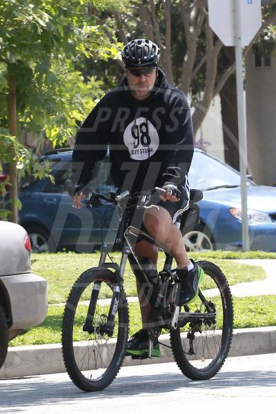 Russell Crowe - Los Angeles - 07-06-2013 - Dove vai, se la bici (condivisa) non ce l'hai?
