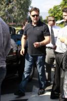 Russell Crowe - Los Angeles - 07-06-2013 - Russell Crowe mamma oca in bicicletta da Jay Leno