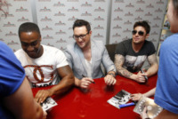 Blue, Duncan James, Anthony Costa, Simon Webbe - Milano - 08-06-2013 - I Blue firmano le copie di Roulette a Milano