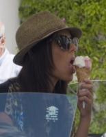 Alessia Reato - Capri - 09-06-2013 - Star come noi: d'estate non possono fare a meno di un gelato