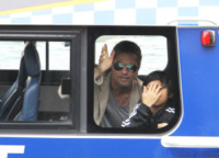 Pax Thien Jolie Pitt, Brad Pitt - Sidney - 10-06-2013 - Brad Pitt e il figlio Pax, saluti dalla volante
