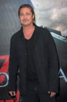 Brad Pitt - Parigi - 03-06-2013 - La leadership dei sex symbol è a rischio, Brad Pitt è gonfio