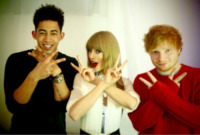 Taylor Swift - 10-06-2013 - Dillo con un tweet: Fanny e Balo fidanzati con diamante