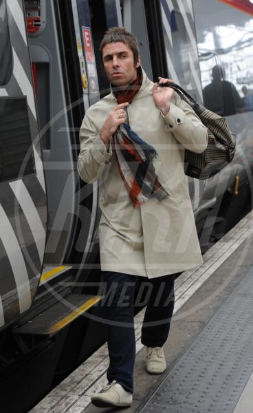 Liam Gallagher - Londra - 12-06-2013 - Star come noi: Edoardo Bennato nella metro napoletana