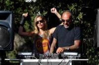 Nathalie Sorensen, Christian Audigier - Malibu - 27-05-2013 - Russell Crowe & Co., quando l'attore diventa musicista