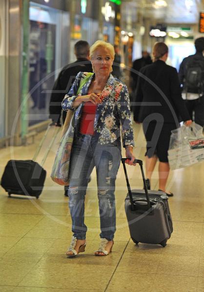 Denise Van Outen - Londra - 13-06-2013 - Star come noi: Edoardo Bennato nella metro napoletana