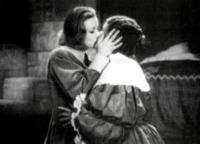 La Regina Cristina, Greta Garbo - Baci lesbo sul set: quello tra Keira e Chloe sarà il più hot?