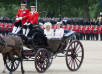 Kate Middleton, Camilla Parker Bowles - Londra - 15-06-2013 - Trooping the Colour: Kate Middleton con il plaid sulle ginocchia
