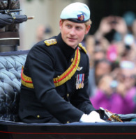 Principe Harry - Londra - 15-06-2013 - Trooping the Colour: Kate Middleton con il plaid sulle ginocchia