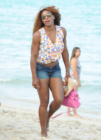 Serena Williams - Miami - 16-06-2013 - Shorts, maxidress o pareo: e tu cosa indossi in spiaggia?