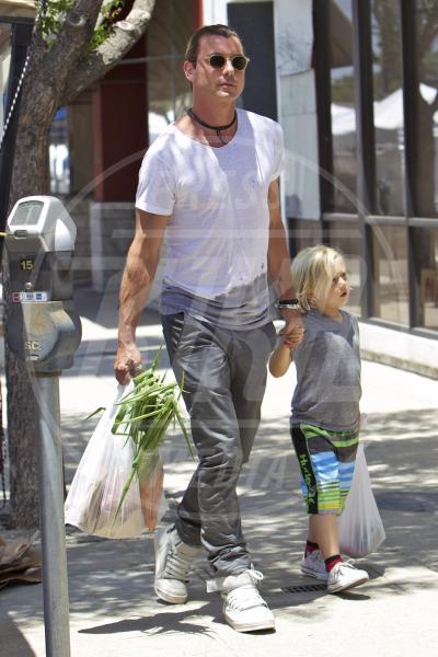 Zuma Rossdale, Gavin Rossdale - Los Angeles - 17-06-2013 - Locale e di stagione: la frutta e la verdura preferita dai VIP!