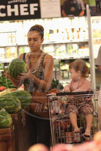 Haven Garner Warren, Jessica Alba - Los Angeles - 17-06-2013 - Locale e di stagione: la frutta e la verdura preferita dai VIP!