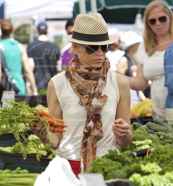 Elizabeth Banks - Los Angeles - 17-06-2013 - Quando vegetariano fa rima con bellezza