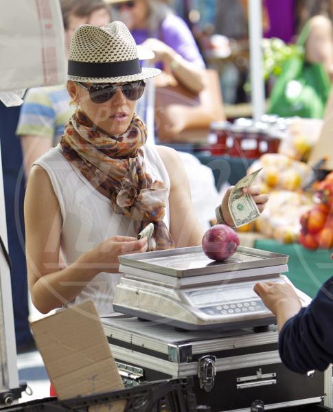 Elizabeth Banks - Los Angeles - 17-06-2013 - Locale e di stagione: la frutta e la verdura preferita dai VIP!