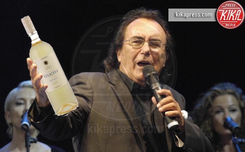 Al Bano - Amalfi - 24-08-2012 - Nunc est bibendum: quando l'alcool sa di celebrità