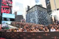 Atmosfera - New York - 17-06-2013 - C'è ancora maretta tra Angelina Jolie e il padre?