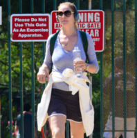 Uma Thurman - Hollywood - 16-06-2013 - Rughe, macchie e cicatrici mettono le dive… in ginocchio!