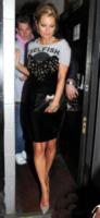 Kate Moss - Londra - 30-04-2013 - Rughe, macchie e cicatrici mettono le dive… in ginocchio!