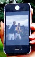 iPhone 4 - Londra - 18-06-2013 - Andrea Rubio: 14enne resa celebre da una foto… principesca