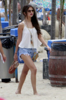 Selena Gomez - Malibu - 23-06-2013 - Estate 2019: impossibile rinunciare alle infradito