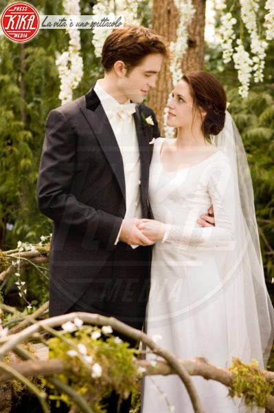 Robert Pattinson, Kristen Stewart - Los Angeles - 28-11-2011 - Twilight saga, nuovo libro, ruoli invertiti