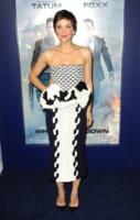 Maggie Gyllenhaal - New York - 25-06-2013 - Bianco e nero: un classico sul tappeto rosso!